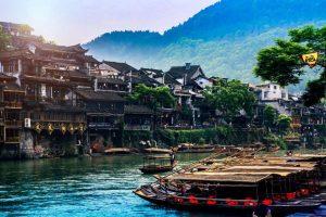 Phượng Hoàng Cổ Trấn – Thành phố hoài niệm cổ xưa bên bờ sông