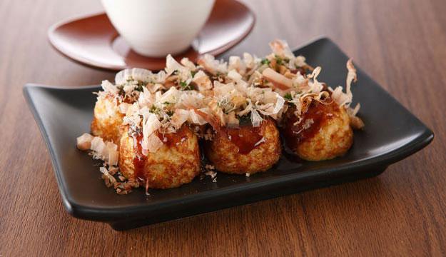 Ăn Takoyaki giòn sần sật ở Osaka, Nhật Bản