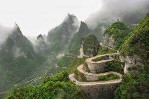 Trải nghiệm cảm giác mạnh vượt Thiên Môn Sơn khi đi du lịch Trung Quốc