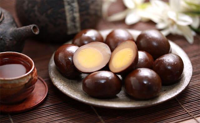 Trứng sắt là món ăn đường phố nổi tiếng mà du khách nên thử khi du lịch Đài Loan