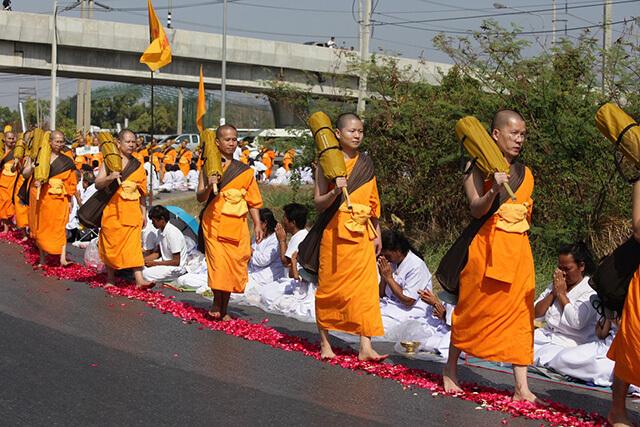 Ở Thái Lan có một tục rất phổ biến là tu báo hiếu dành cho đàn ông