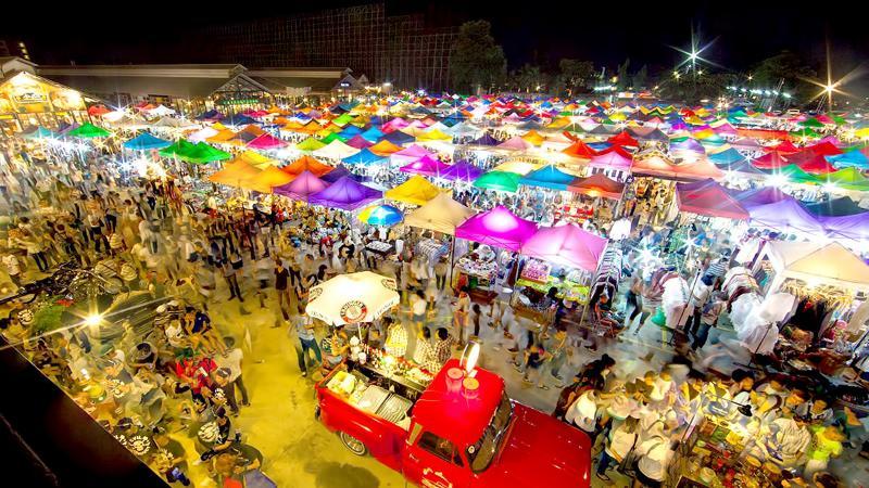 Chợ đêm Rot Fai Thái Lan