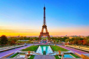 Bạn biết gì về tháp Eiffel nổi tiếng du lịch Pháp chưa?
