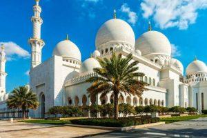 Là một thành phố Hồi Giáo nên trong tour Dubai bạn cần nằm lòng rất nhiều quy tắc