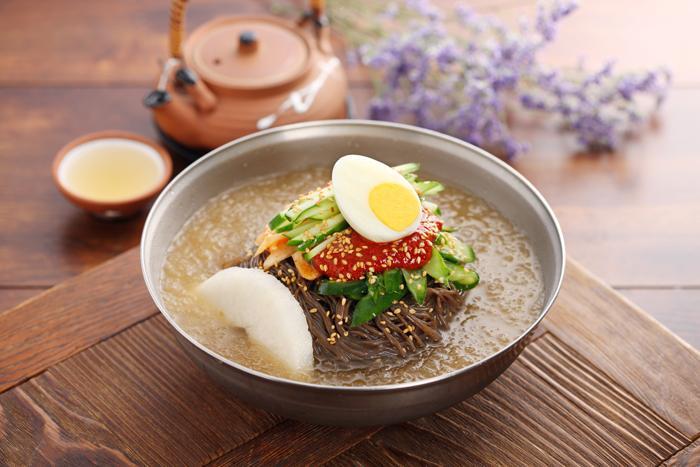 Mì lạnh naengmyeon Hàn Quốc