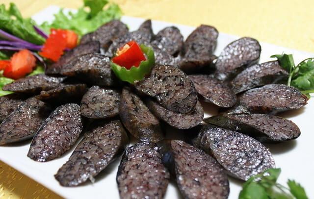 Món xúc xích gạo truyền thống của người Naxi