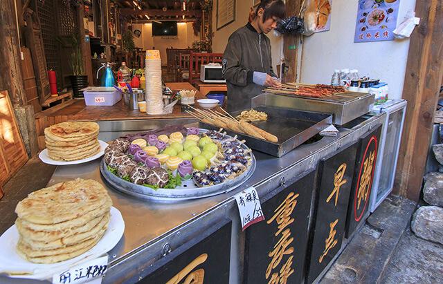 Cùng Global Travel khám phá 3 món ăn độc đáo nhất định phải thử trong tour Lệ Giang Shangrila