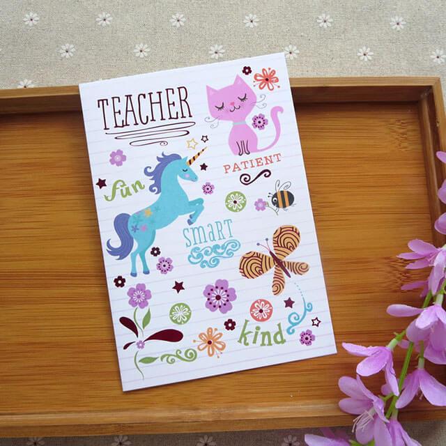 Học sinh Hàn Quốc thường bày tỏ lòng biết ơn với thầy cô bằng những món quà nhỏ bé