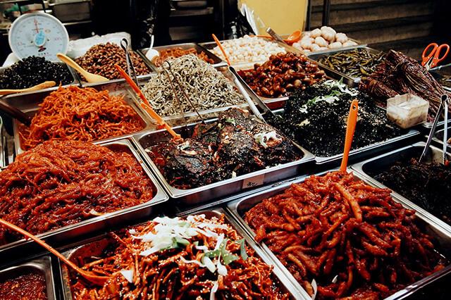 """Điều khiến Gwangjang được nhiều người yêu thích là """"thiên đường ẩm thực"""" của tầng 1"""