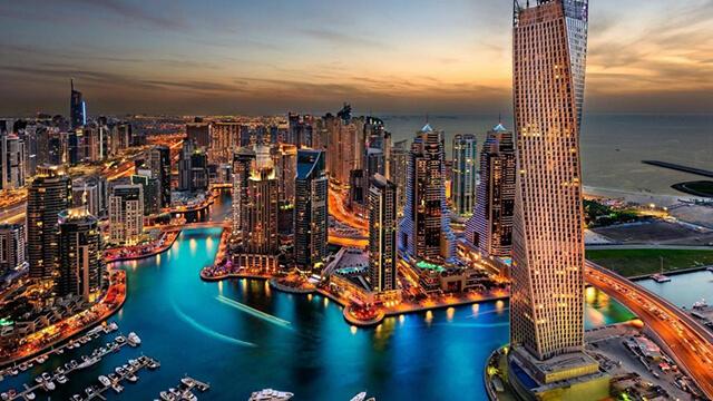 Dubai cũng đang gặp phải những vấn đề nan giải về môi trường, rác thải,nguồn nước,...