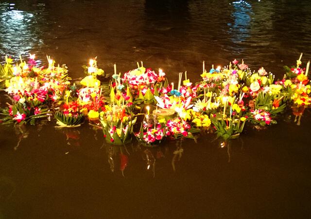 """Mục đích tổ chức lễ hội hoa đăng của người Thái Lan là để bày tỏ lòng biết ơn cũng như mong sự tha thứ từ """"Mẹ Nước"""""""