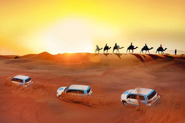 Khám phá sa mạc Sarafi nóng bỏng trên những chiếc xe Land Cruser sẽ đem đến cho bạn cảm giác như đang tham gia vào các thước phim hành động