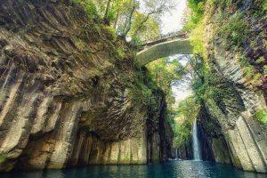 Khám phá núi Takachiho đẹp như tranh vẽ trong tour du lịch Nhật Bản