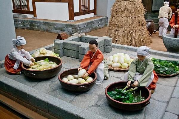 """Phòng số 2 với chủ đề """"Phong cách sống của người dân Hàn Quốc"""""""