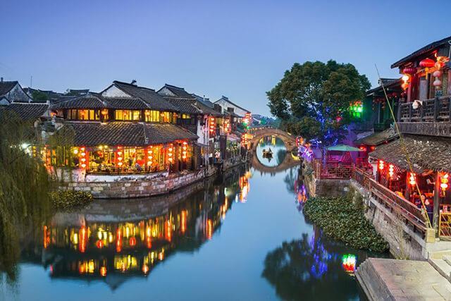 Lệ Giang từ lâu đã trở thành điểm tham quan không thể bỏ qua trong tour du lịch Trung Quốc