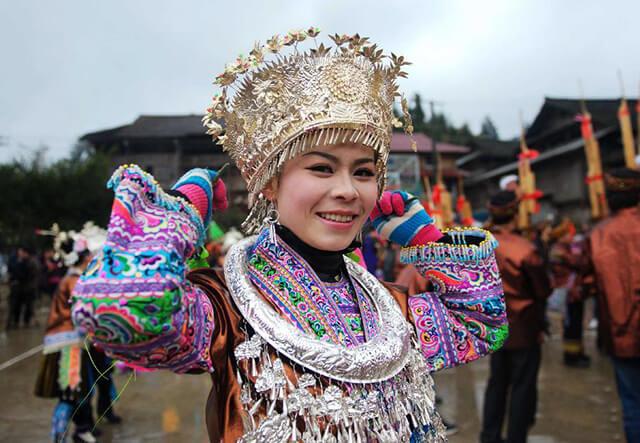 Đến với làng người Miao du khách sẽ được khám phá nhiều phong tục tập quán, lối sống của cộng đồng người Miao