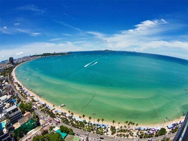 Bãi biển Jomtiem ở Pataya Thailand