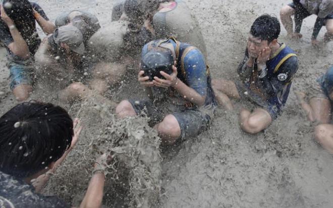 Lễ hội Bùn