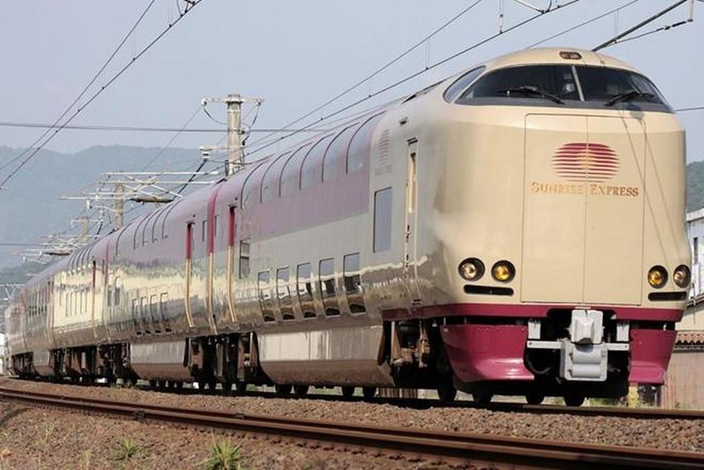 Chuyến xe lửa Sunrise Express Nhật Bản đường dài