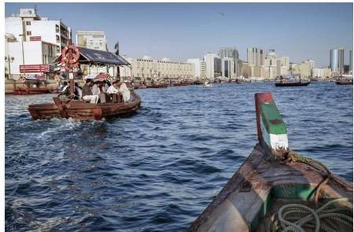 Dubai có vị trí thuận lợi nằm ngay ở cửa vịnh Persian