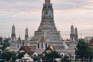 Cận cảnh ngôi chùa Wat Arun cổ kính nhất của Bangkok, Thái Lan