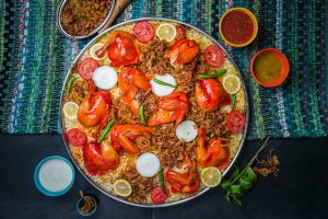 Độc đáo món cơm Mandi trong tour du lịch Dubai