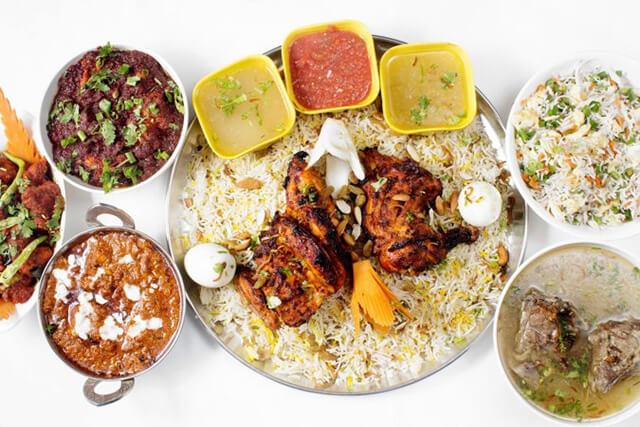 Món cơm Mandi được chế biến một cách cầu kì và tốn nhiều thời gian