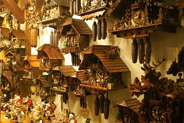 Đồng hồ hình chim cu ở Đức