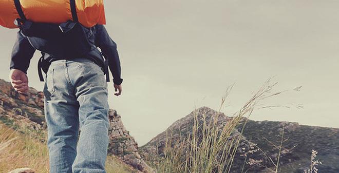 Để thuận tiện cho việc leo núi đồ bạn nên cho vào 2 balo