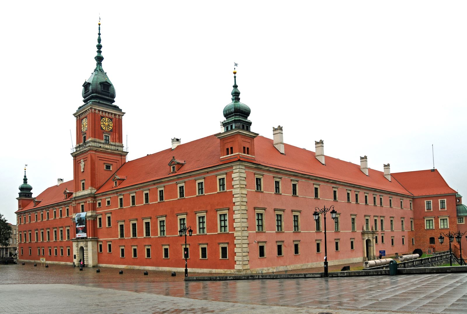 Lâu đài hoàng gia là biểu tượng của thành phố Warsaw