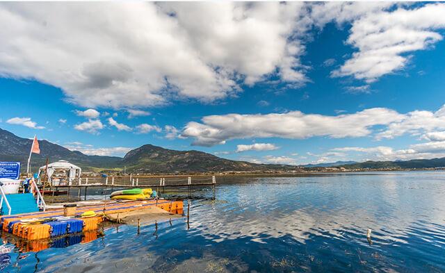 Hồ Lashihai là một danh thắng mà bạn không nên bỏ qua trong tour du lịch Lệ Giang