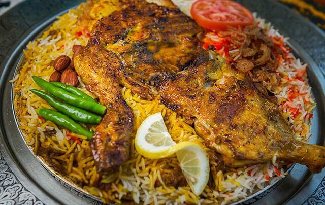 Mandi thực chất có nguồn gốc từ Yemen nhưng nó rất phổ biến và được yêu thích tại Dubai
