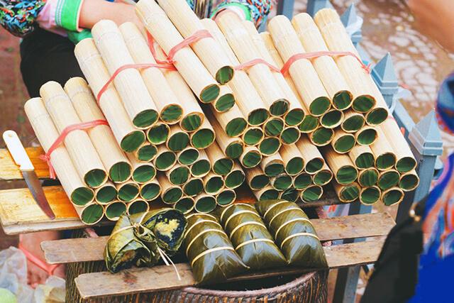 Trong tour du lịch Sapa bạn có thể dễ dàng thưởng thức và mua cơm làm về làm quà