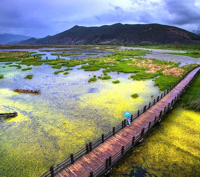 Hồ Lugu là danh thắng nổi tiếng của Lệ Giang