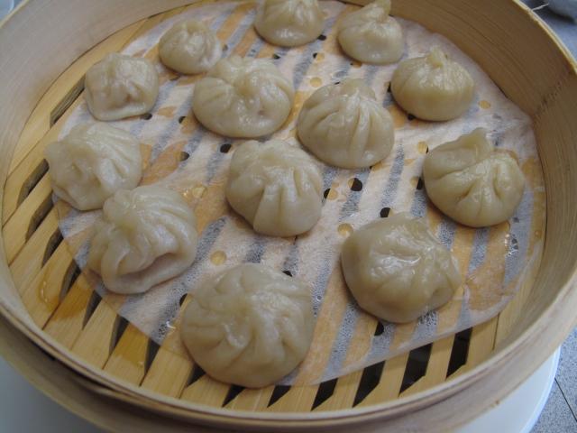 """Tiểu long bao, còn gọi là """"soup dumplings"""" l"""
