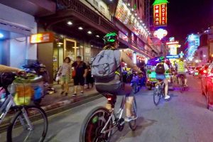 Tham gia tour Bangkok Sunset Bike Ride khi đi du lịch Thái Lan