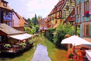 Khám phá những khu phố rực rỡ sắc màu Châu Âu