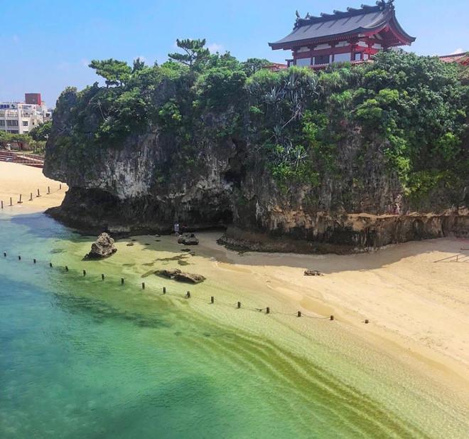 Đền Naminoue ở Naha