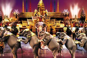 Xem trình diễn Fantasea tại Phuket khi đi tour Thái Lan