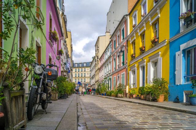Rue Cremieuz.