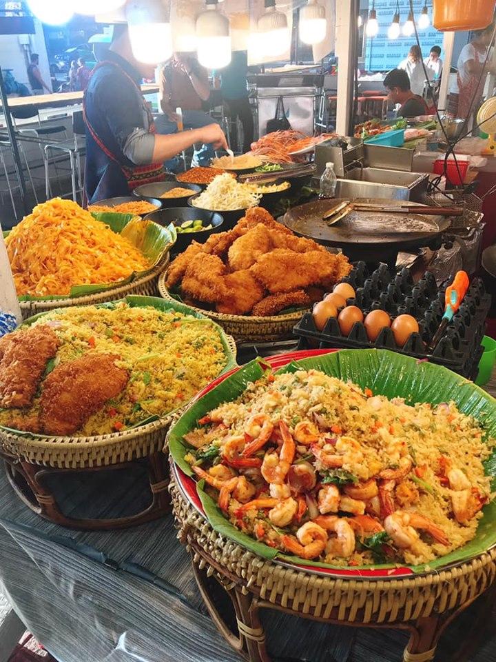 Thưởng thức ẩm thực ở MBK Center (Ma Boon Khrong Center)