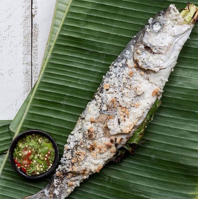 Tour du lịch Thái Lan có rất nhiều món hải sản thơm ngon đang chờ bạn khám phá