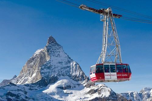 di chuyển bằng cáp treo để lên Matterhorn