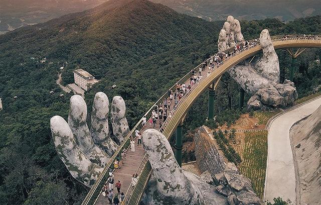 Cầu Vàng là điểm tham quan mới nổi, không thể bỏ qua khi du lịch Đà Nẵng