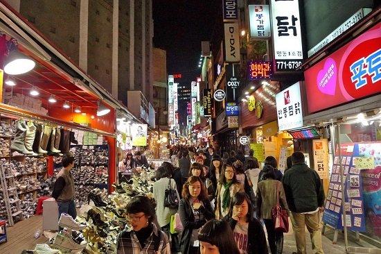 Khám phá chợ Myeongdong