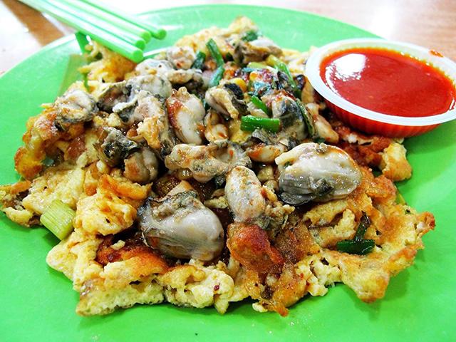 Hàu sữa đúc trứng là món ăn mà bạn không nên bỏ lỡ trong chuyến du lịch Thái Lan