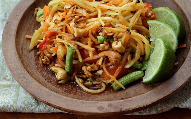 Som Tam từng được CNN bình chọn là 1 trong 50 món ăn ngon nhất thế giới