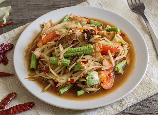 Som Tam là một trong những món ăn đặc sắc, không thể bỏ lỡ khi du lịch Thái Lan
