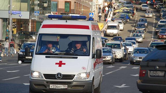 Nhiều người giàu ở xứ Bạch Dương sử dụng xe cứu thương như một phương tiện đi lại