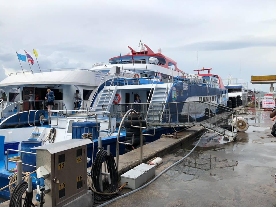 Tàu đến đảo Koh Phi Phi